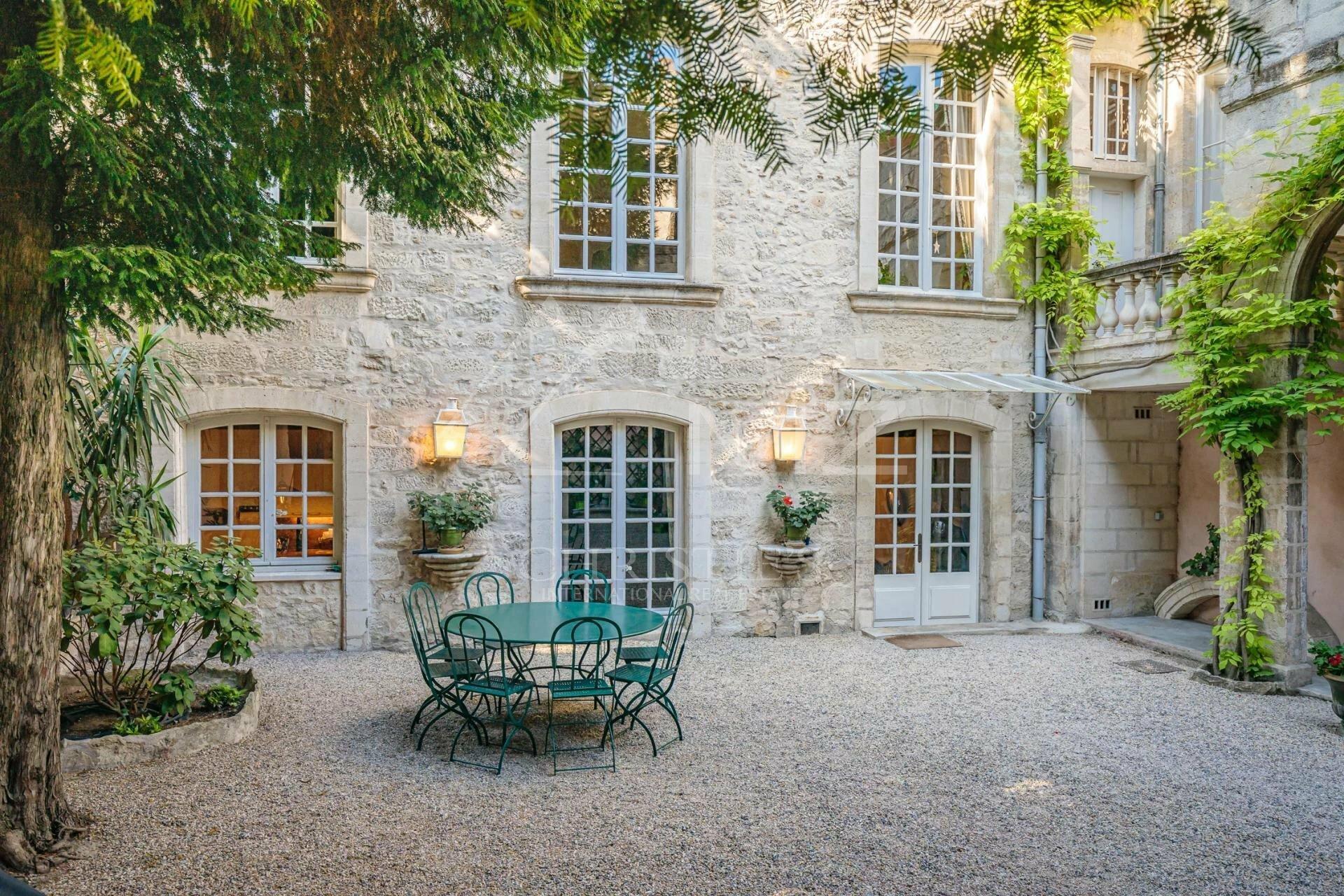 House in Avignon, Provence-Alpes-Côte d'Azur, France 1 - 11540892