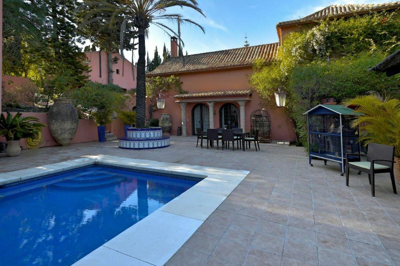 Villa in Estepona, Andalusia, Spain 1 - 11543205