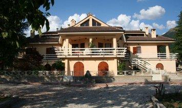 Casa en Nursia, Umbría, Italia 1