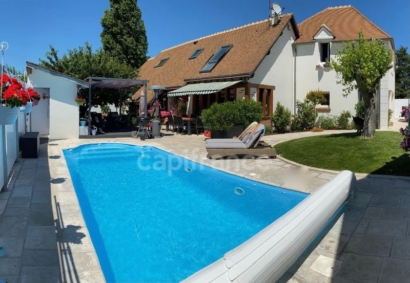 House in Orléans, Centre-Val de Loire, France 1 - 11546206