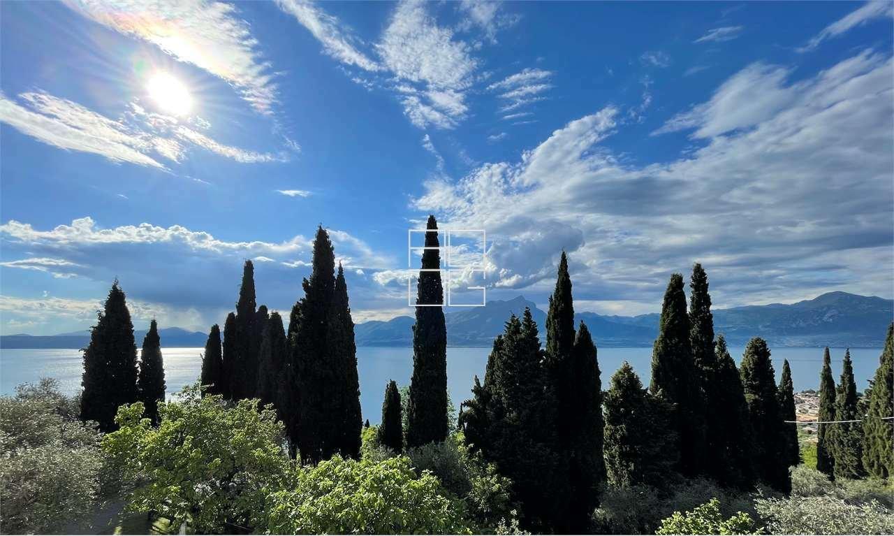Villa in Torri del Benaco, Veneto, Italy 1 - 11547094