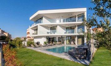 Villa in Fažana, Istria County, Croatia 1