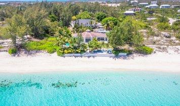 Villa in Grace Bay, Turks and Caicos Islands 1