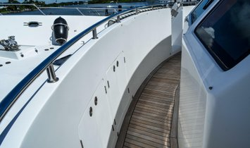 Outer Reef Yachts 730 MY
