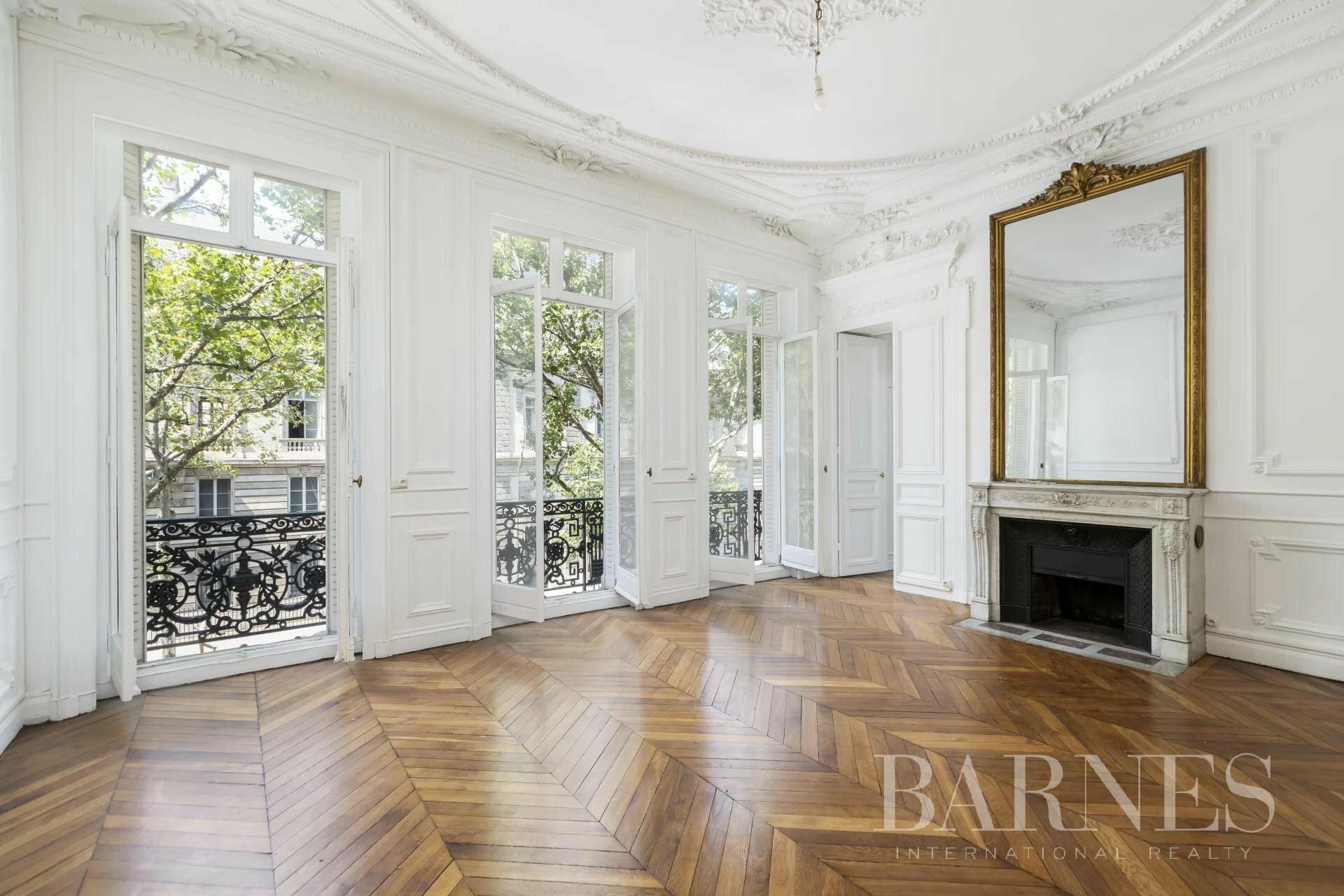 Apartment in Paris, Île-de-France, France 1 - 11553097