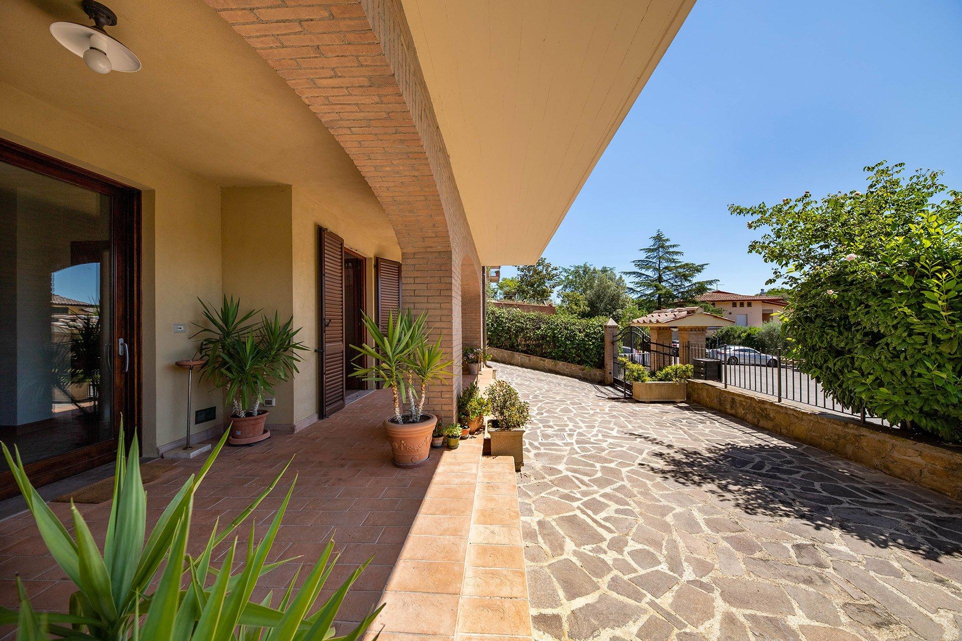 Villa in Perugia, Umbria, Italy 1 - 11554574