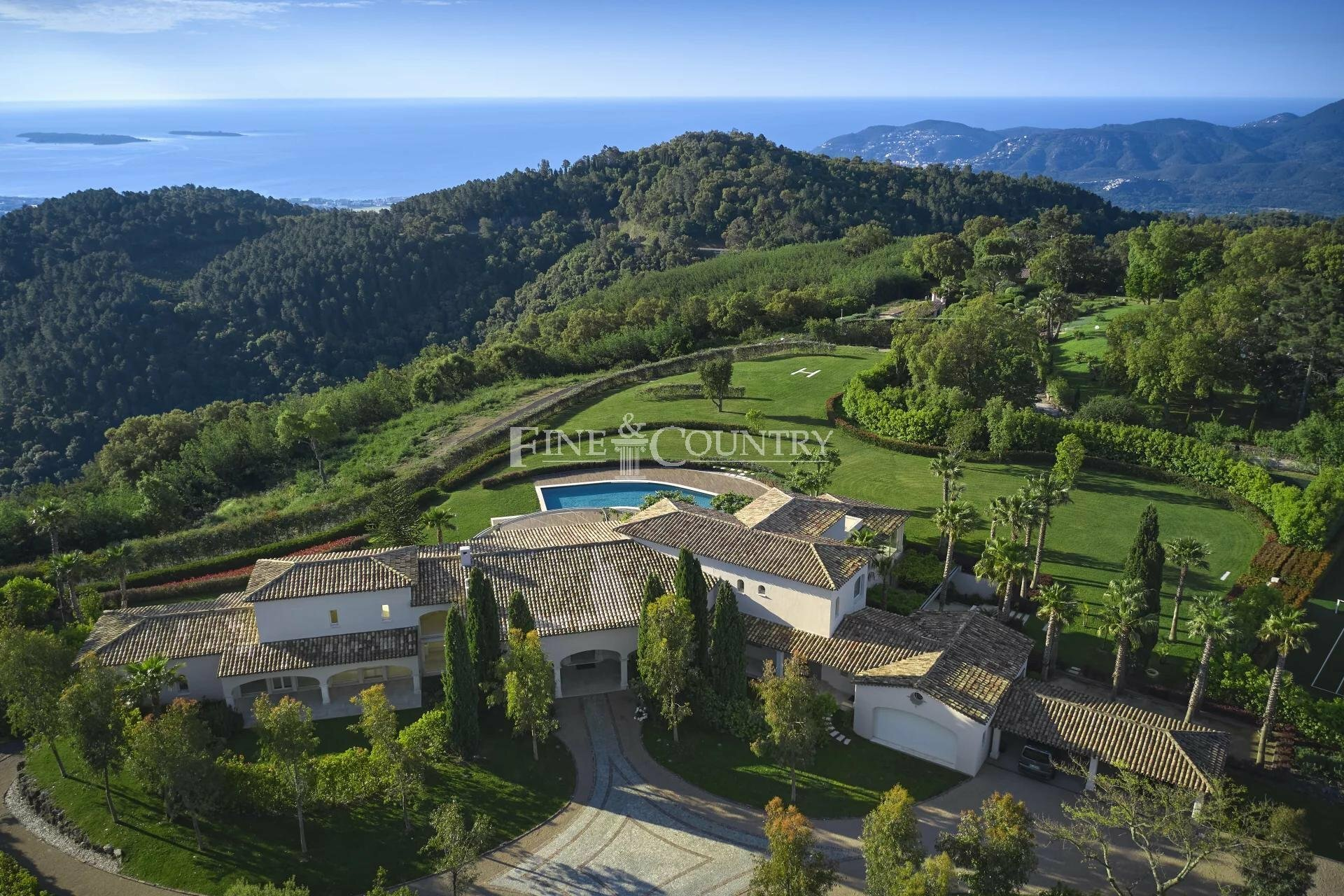 Villa in Cannes, Provence-Alpes-Côte d'Azur, France 1 - 11555433