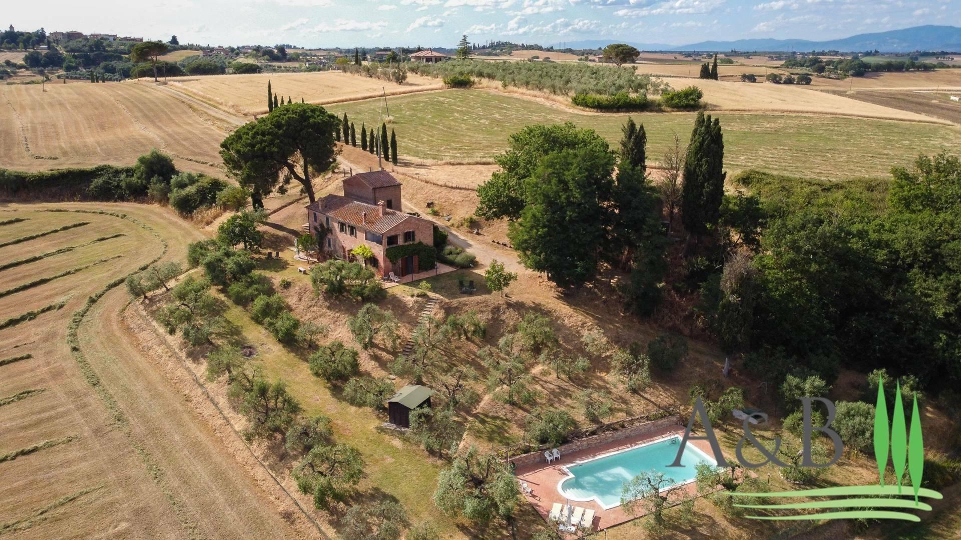 Farm Ranch in Vitellino, Umbria, Italy 1 - 11556190