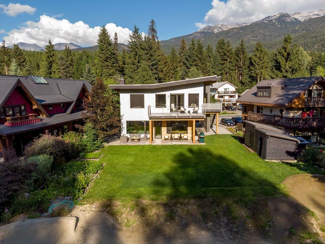 House in Whistler, British Columbia, Canada 1 - 11556606