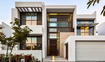 Villa in Dubai, Dubai, United Arab Emirates 1