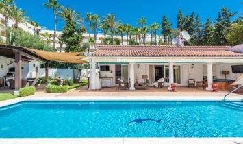 Bungalow in Marbella, Andalusia, Spain 1
