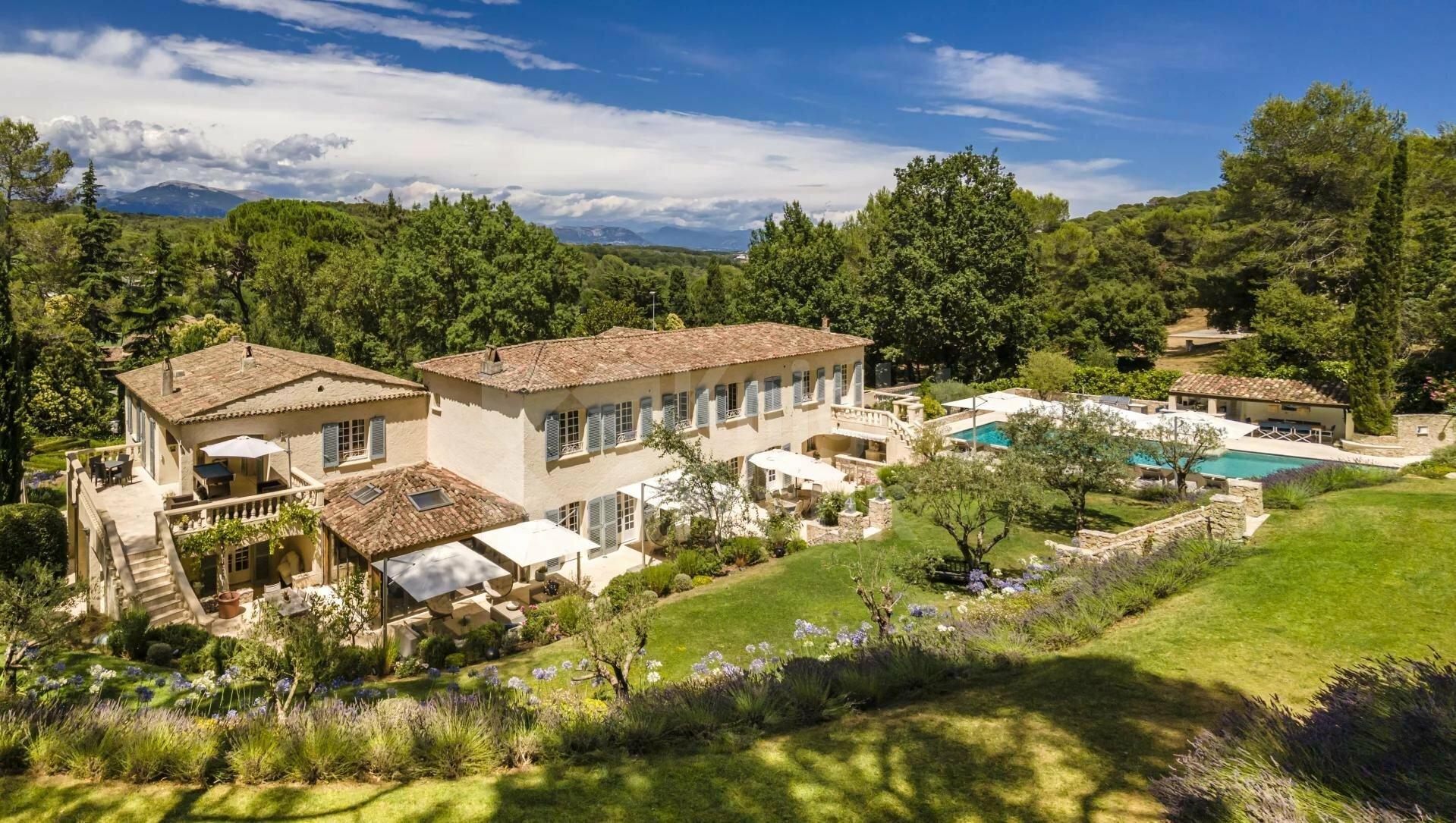 Villa in Mougins, Provence-Alpes-Côte d'Azur, France 1 - 11282126