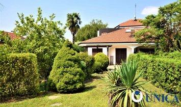 Дом в Сан Пјетро, Пьемонт, Италия 1