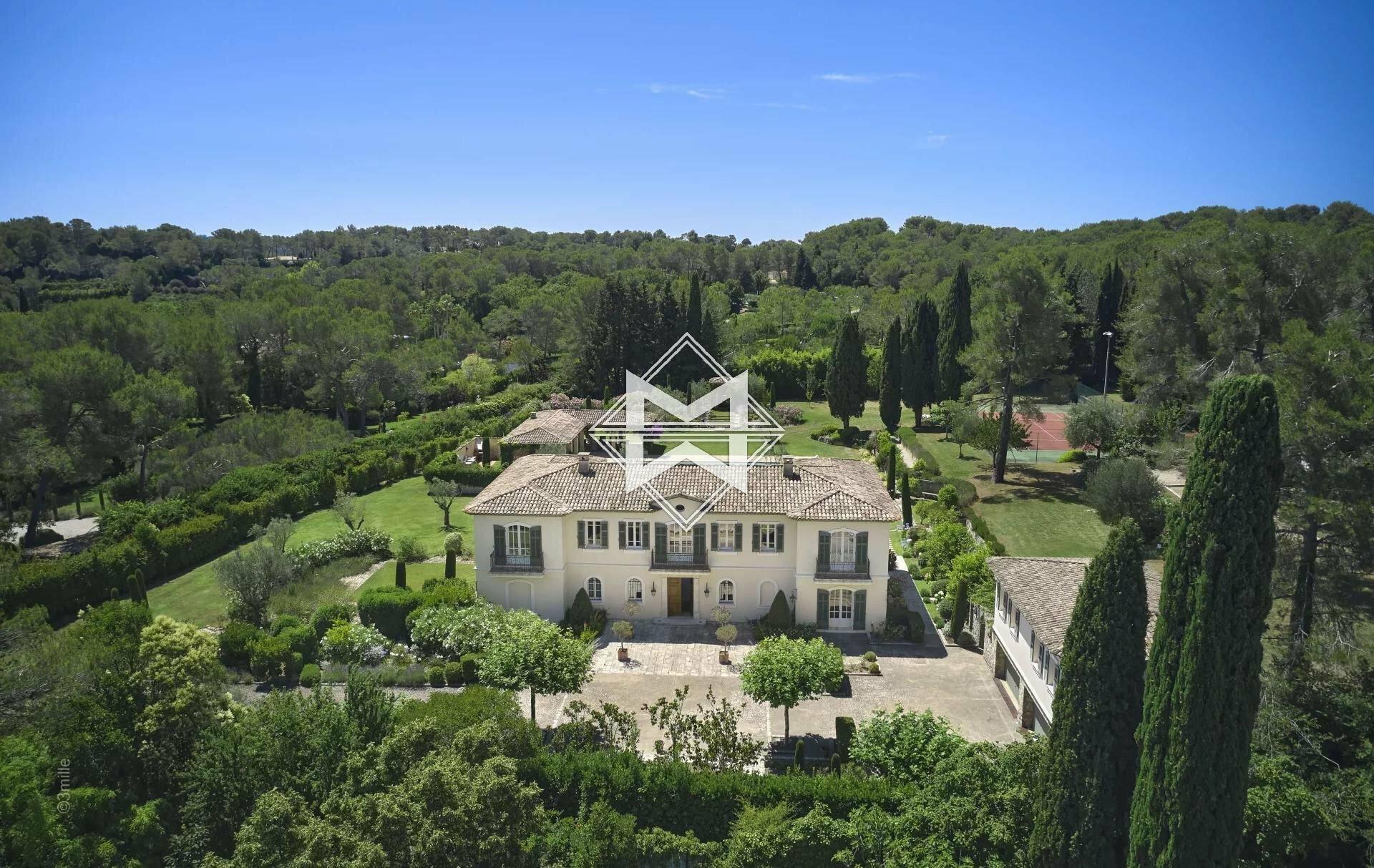 Villa in Mouans-Sartoux, Provence-Alpes-Côte d'Azur, France 1 - 11561669