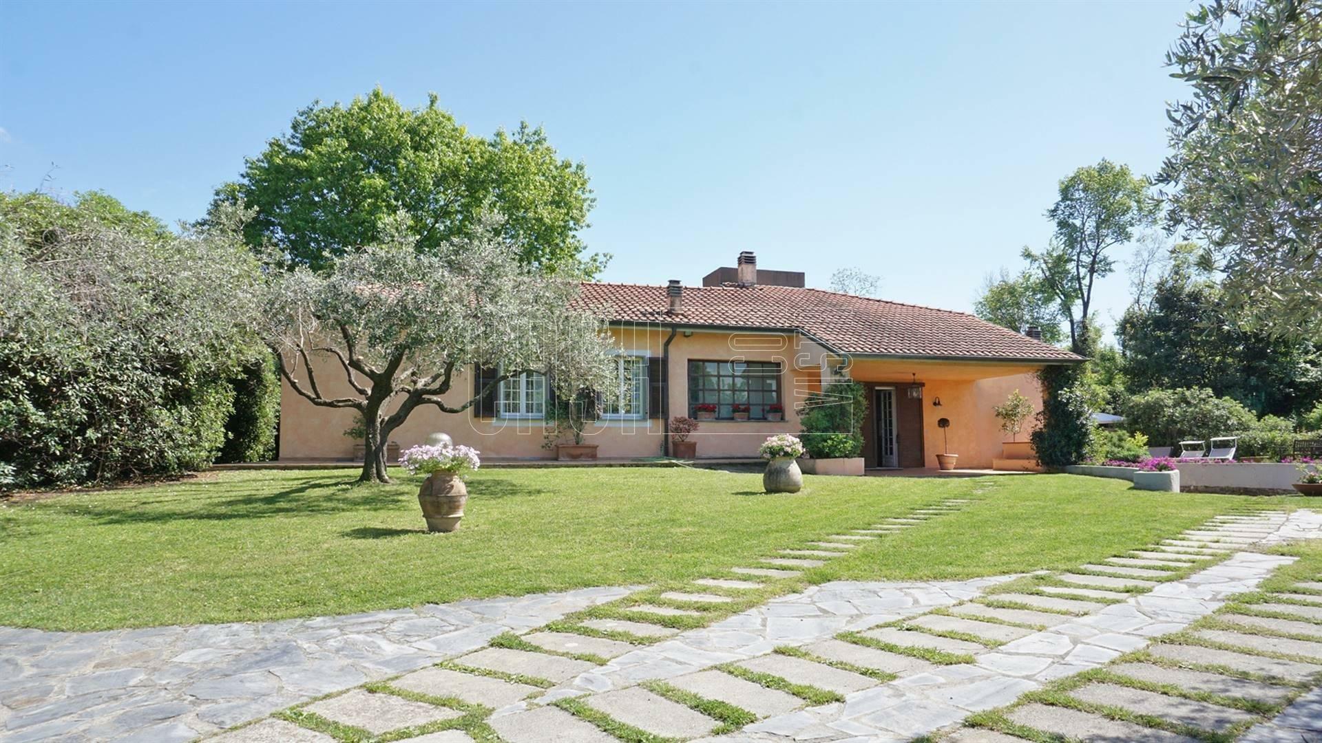 House in Vezzano Ligure, Liguria, Italy 1 - 11563855