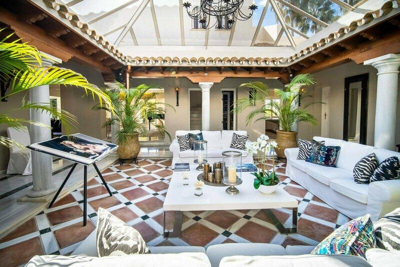 Villa in Marbella, Andalusia, Spain 1 - 11564166