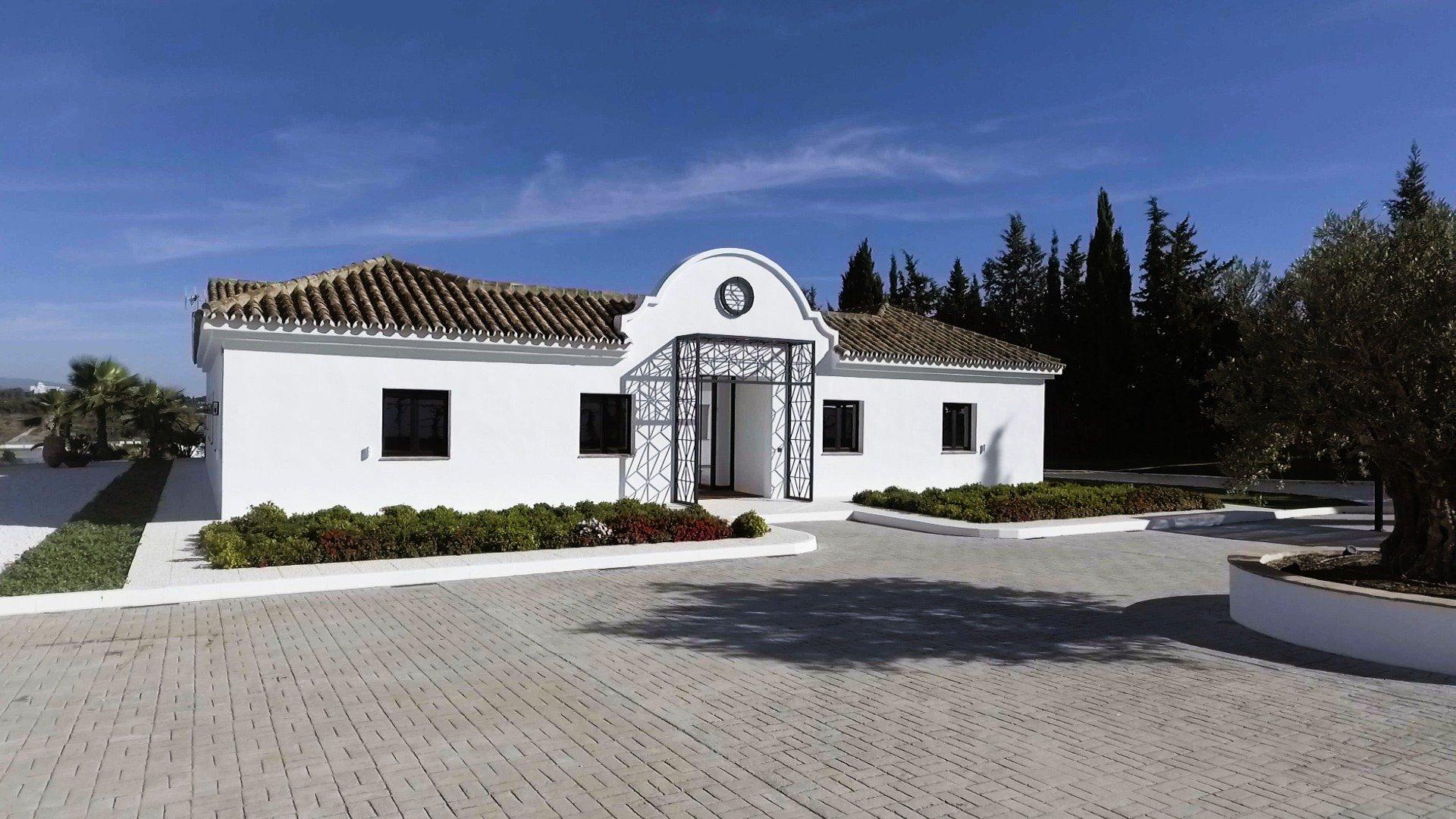 Villa in Marbella (Puerto Banus), Andalusia, Spain 1 - 11565764