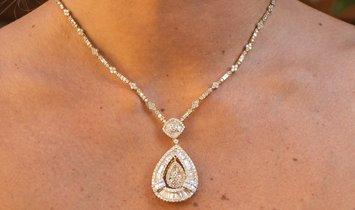Diamond Necklace With 9.22 Carats Of Diamonds