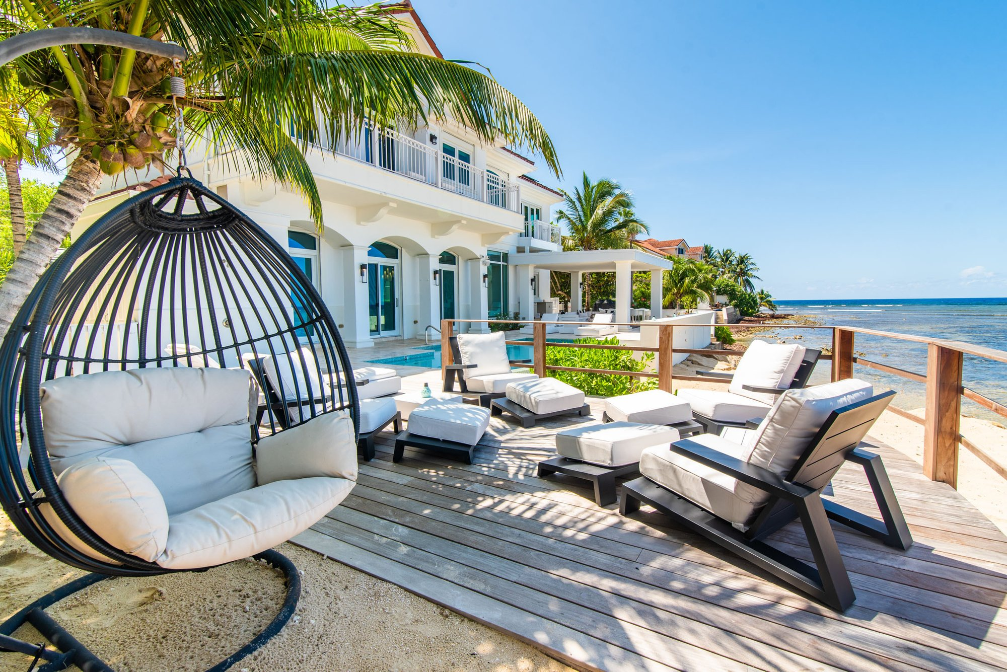 Villa in George Town, George Town, Cayman Islands 1 - 11568453