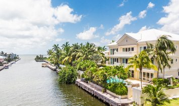 Estate in George Town, George Town, Cayman Islands 1