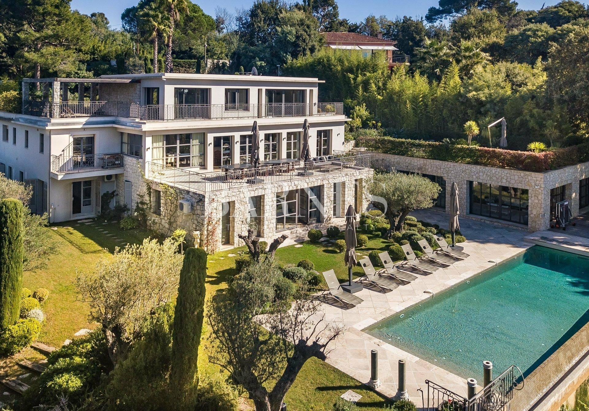 House in Cannes, Provence-Alpes-Côte d'Azur, France 1 - 11570975