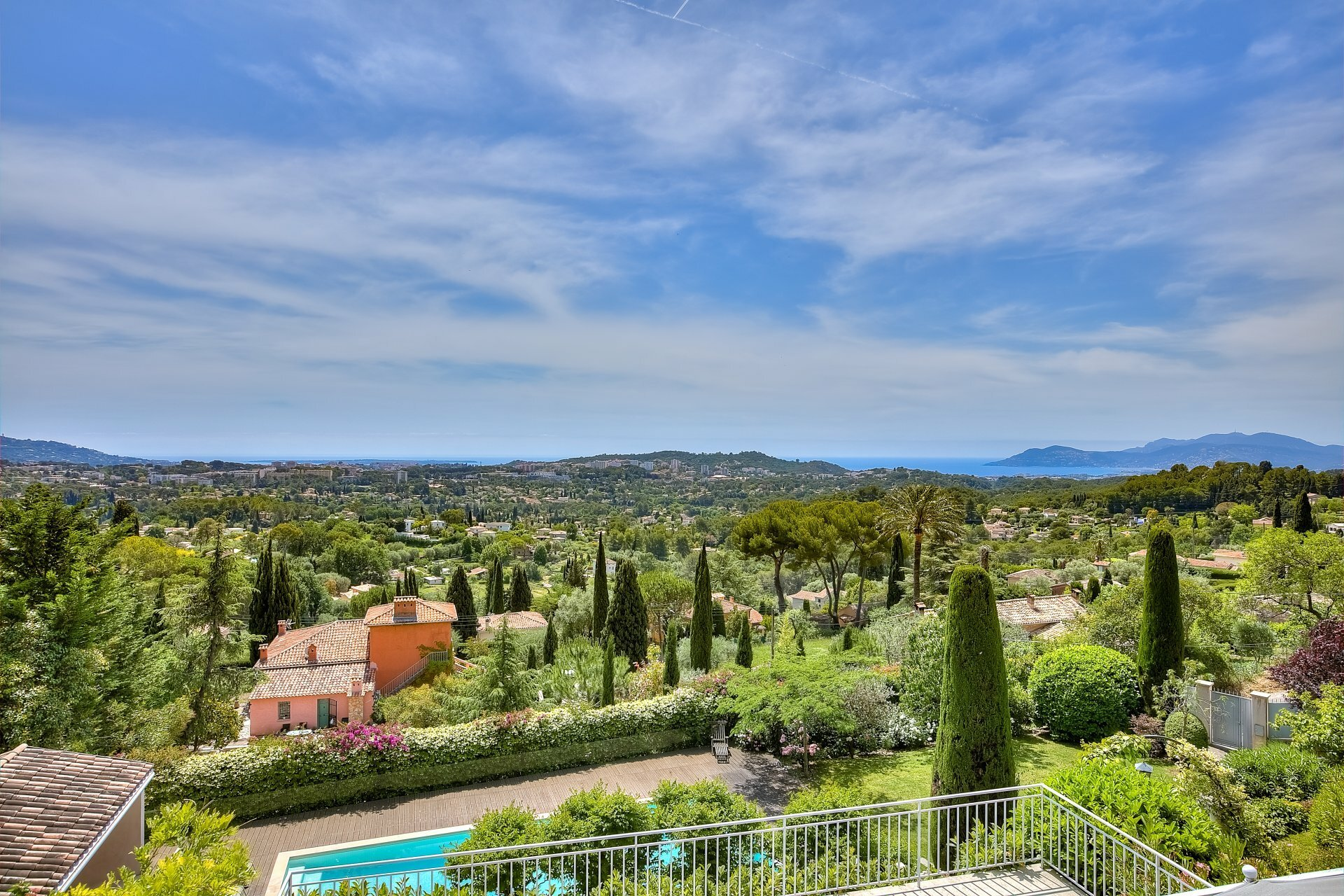 Villa in Mougins, Provence-Alpes-Côte d'Azur, France 1 - 11571257