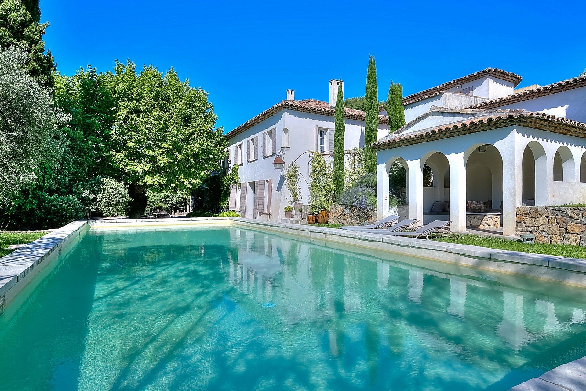 Villa in Mougins, Provence-Alpes-Côte d'Azur, France 1 - 11571243