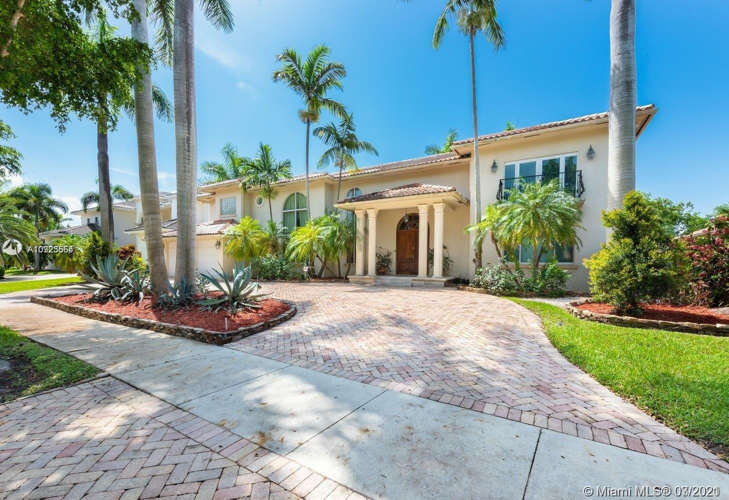 House in Hialeah, Florida, United States 1 - 11261418