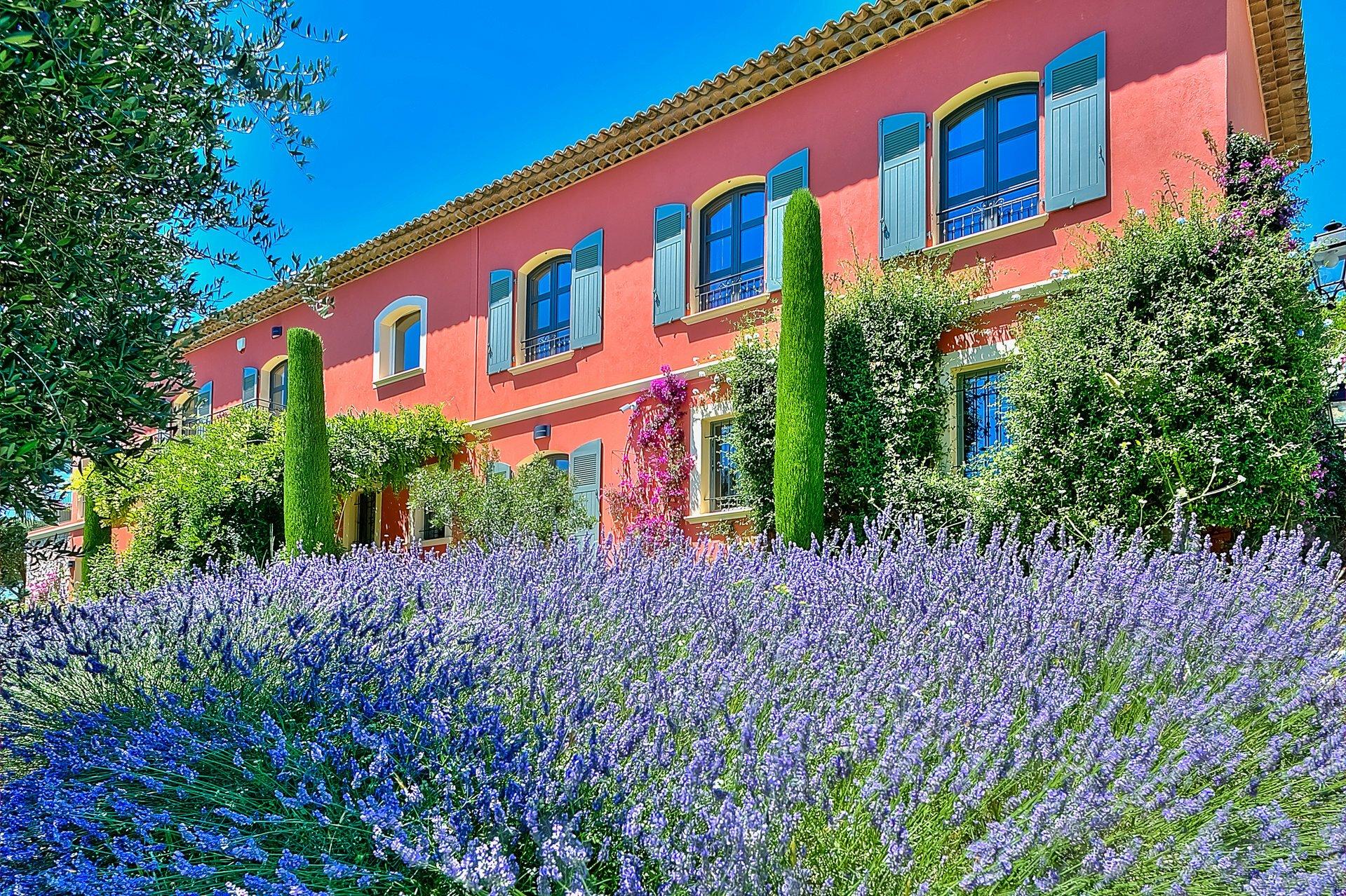 Villa in Mougins, Provence-Alpes-Côte d'Azur, France 1 - 11572493