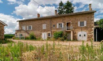 Дом в Вилье-Моргон, Овернь-Рон-Альп, Франция 1