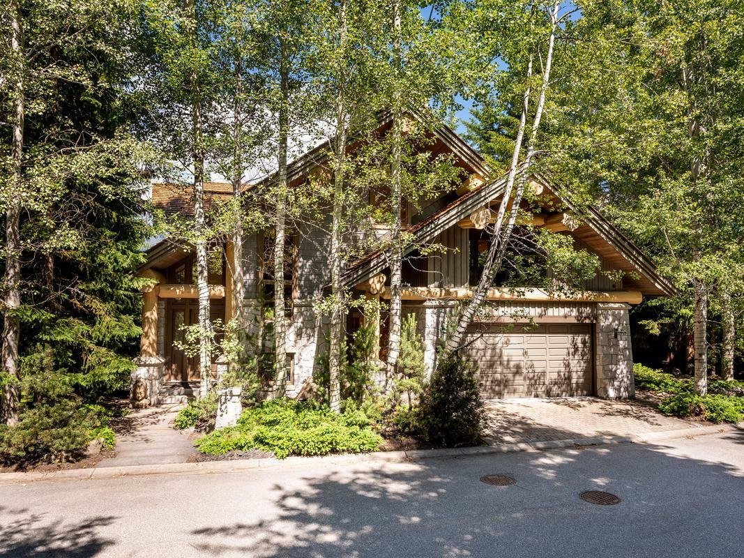 House in Whistler, British Columbia, Canada 1 - 11574036