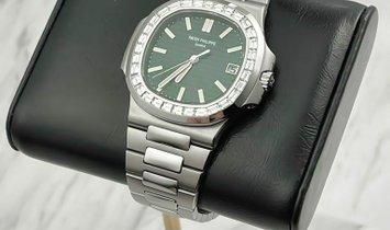 Patek Philippe Nautilus 5711/1300A-001 Olive Green Dial