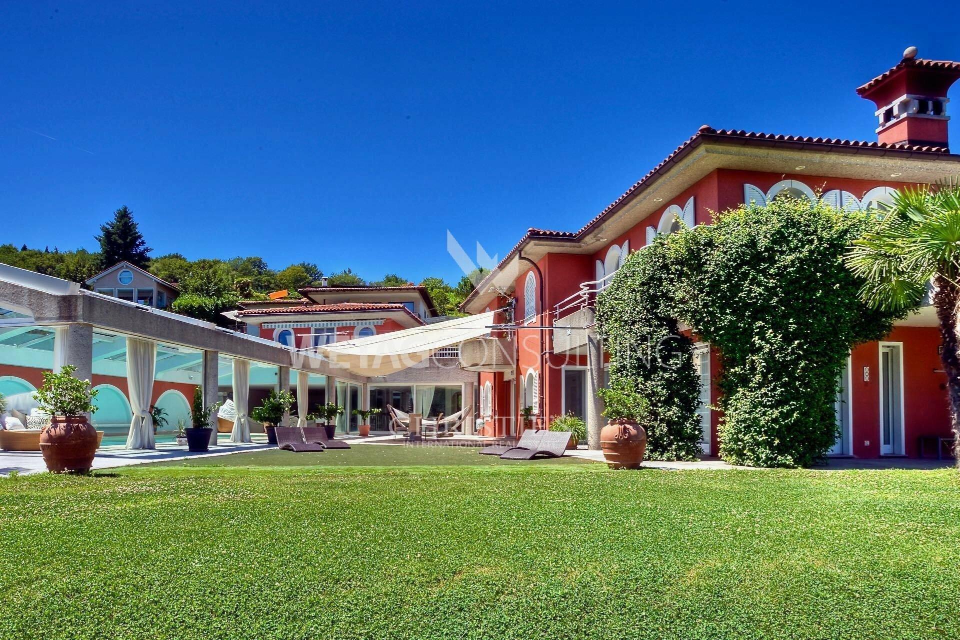 Villa in Lugano, Ticino, Switzerland 1 - 11577836