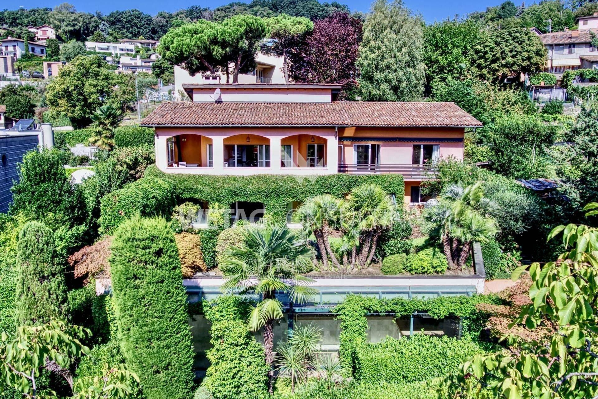 Villa in Lugano, Ticino, Switzerland 1 - 11577818