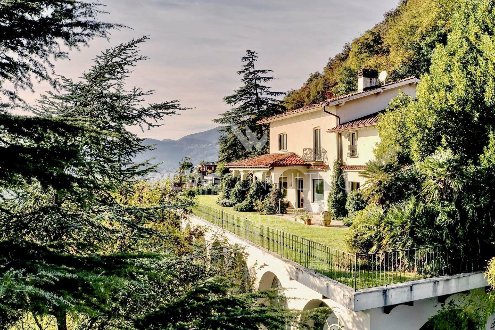 Villa in Lugano, Ticino, Switzerland 1 - 11577757