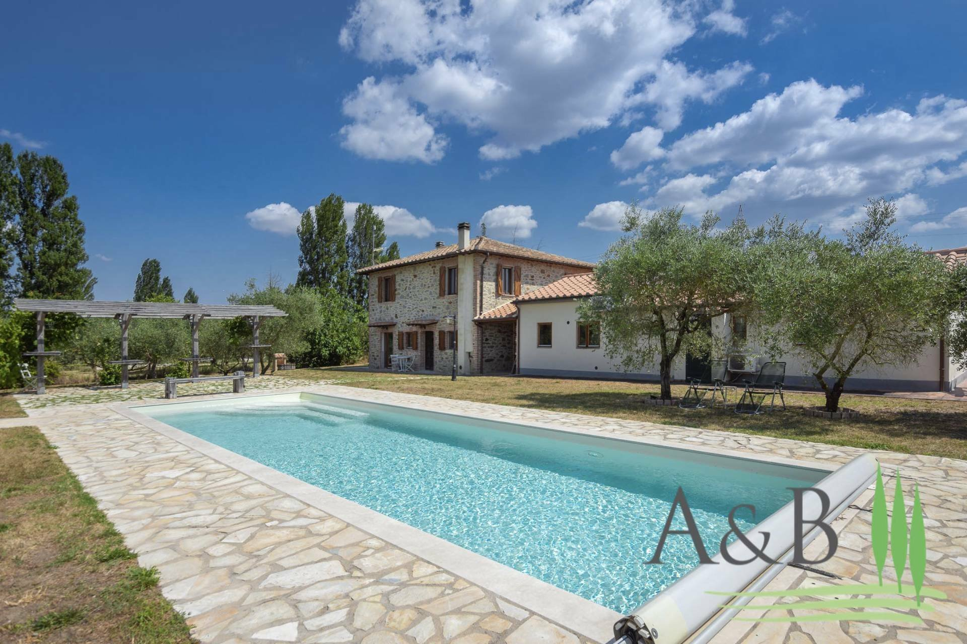 Farm Ranch in Casalini, Umbria, Italy 1 - 11579699