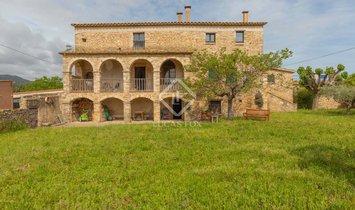 Дом в Corts, Каталония, Испания 1