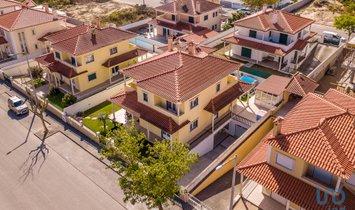 House in Nazaré, Leiria District, Portugal 1