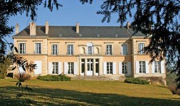 Castle in Poitiers, Nouvelle-Aquitaine, France 1