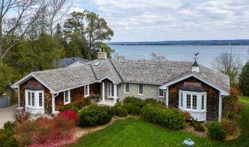 House in Owen Sound, Ontario, Canada 1