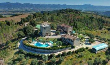 Country House in Monte Santa Maria Tiberina, Umbria, Italy 1