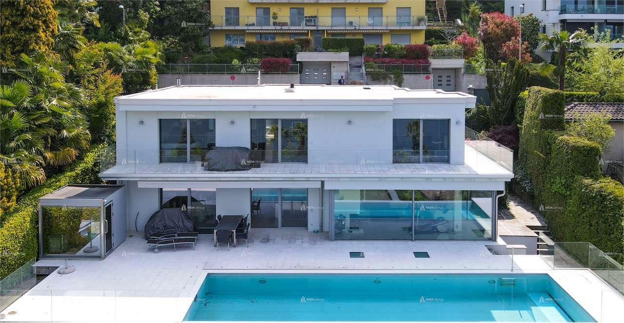 Villa in Collina d'Oro, Ticino, Switzerland 1 - 11233479