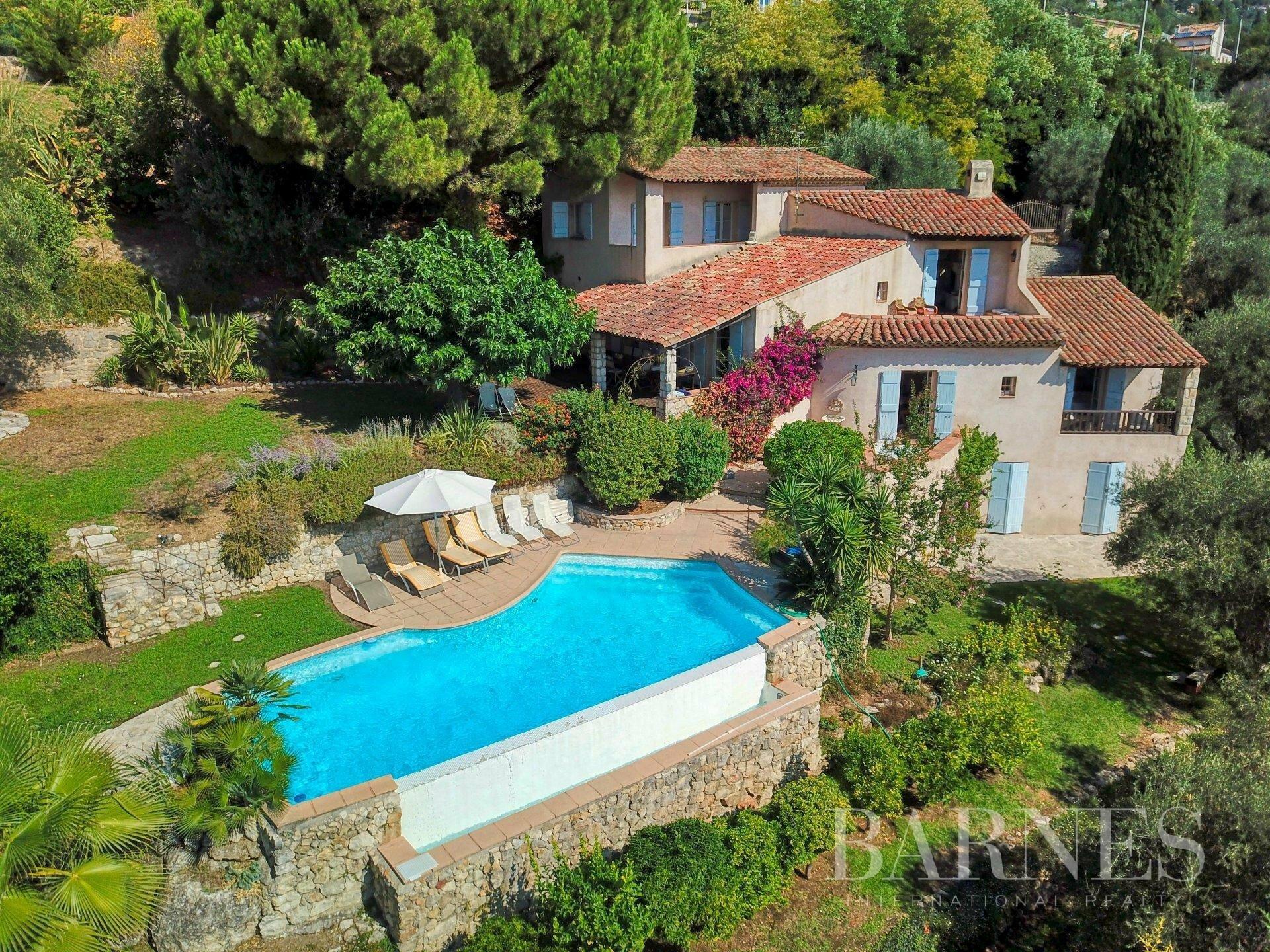 Villa in Grasse, Provence-Alpes-Côte d'Azur, France 1 - 10872800