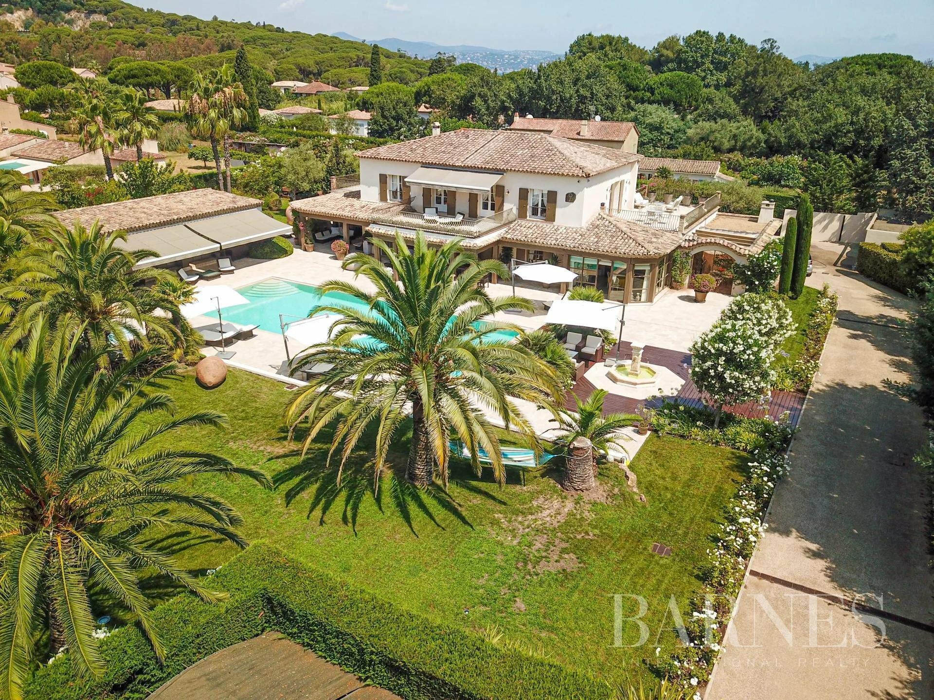 Villa in Saint-Tropez, Provence-Alpes-Côte d'Azur, France 1 - 11595767