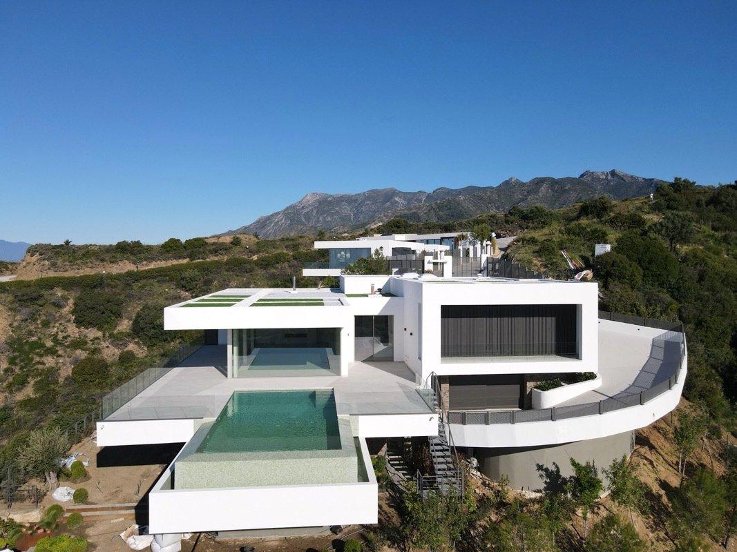 Villa in Marbella, Andalusia, Spain 1 - 11596469