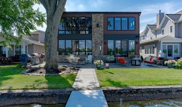 House in Syracuse, Indiana, United States 1