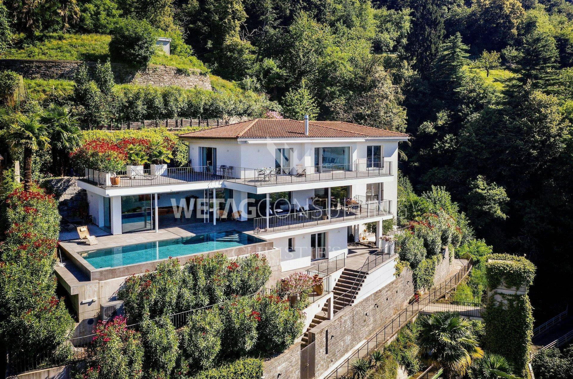 Villa in Minusio, Ticino, Switzerland 1 - 11597867