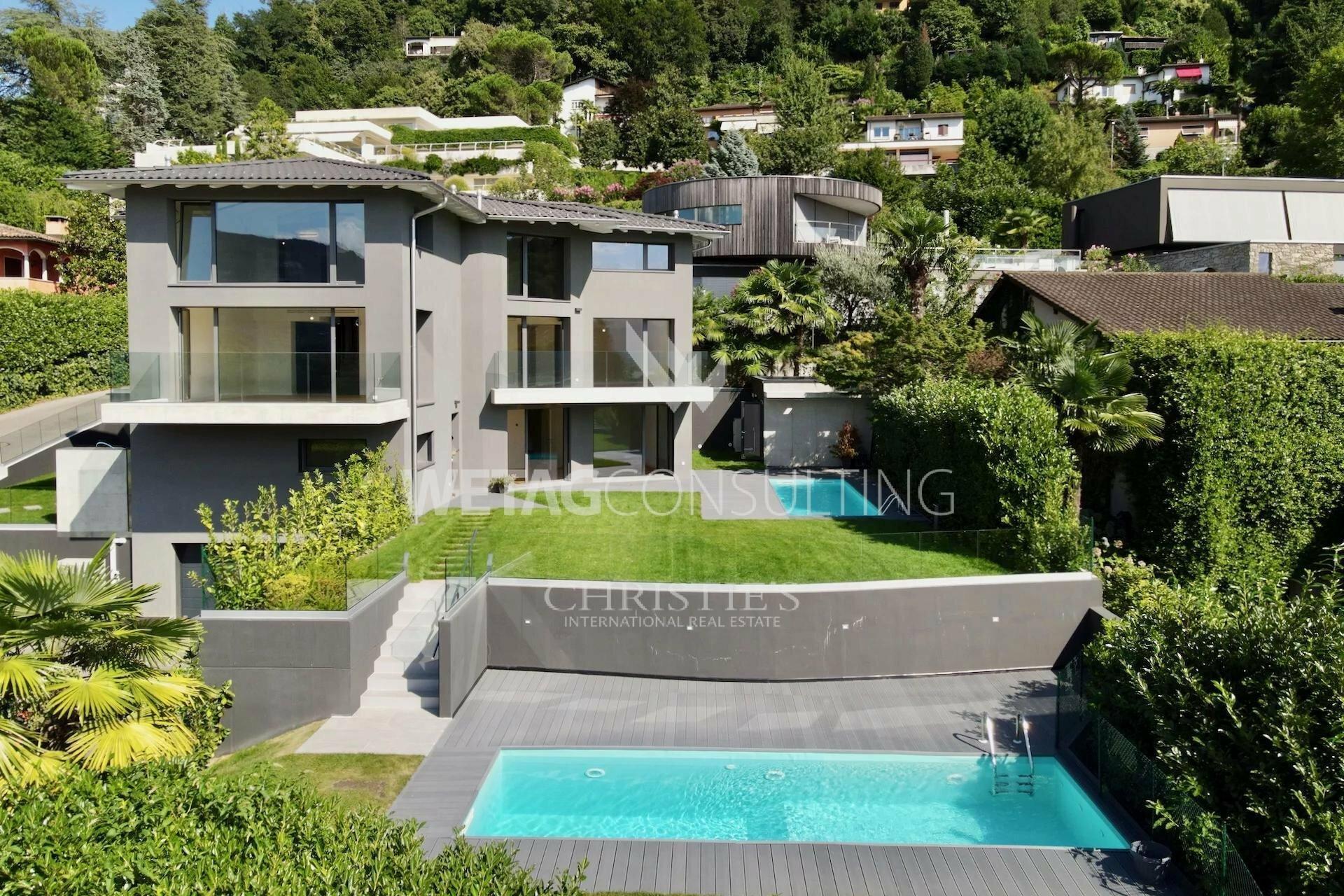 Villa in Collina d'Oro, Ticino, Switzerland 1 - 11597869