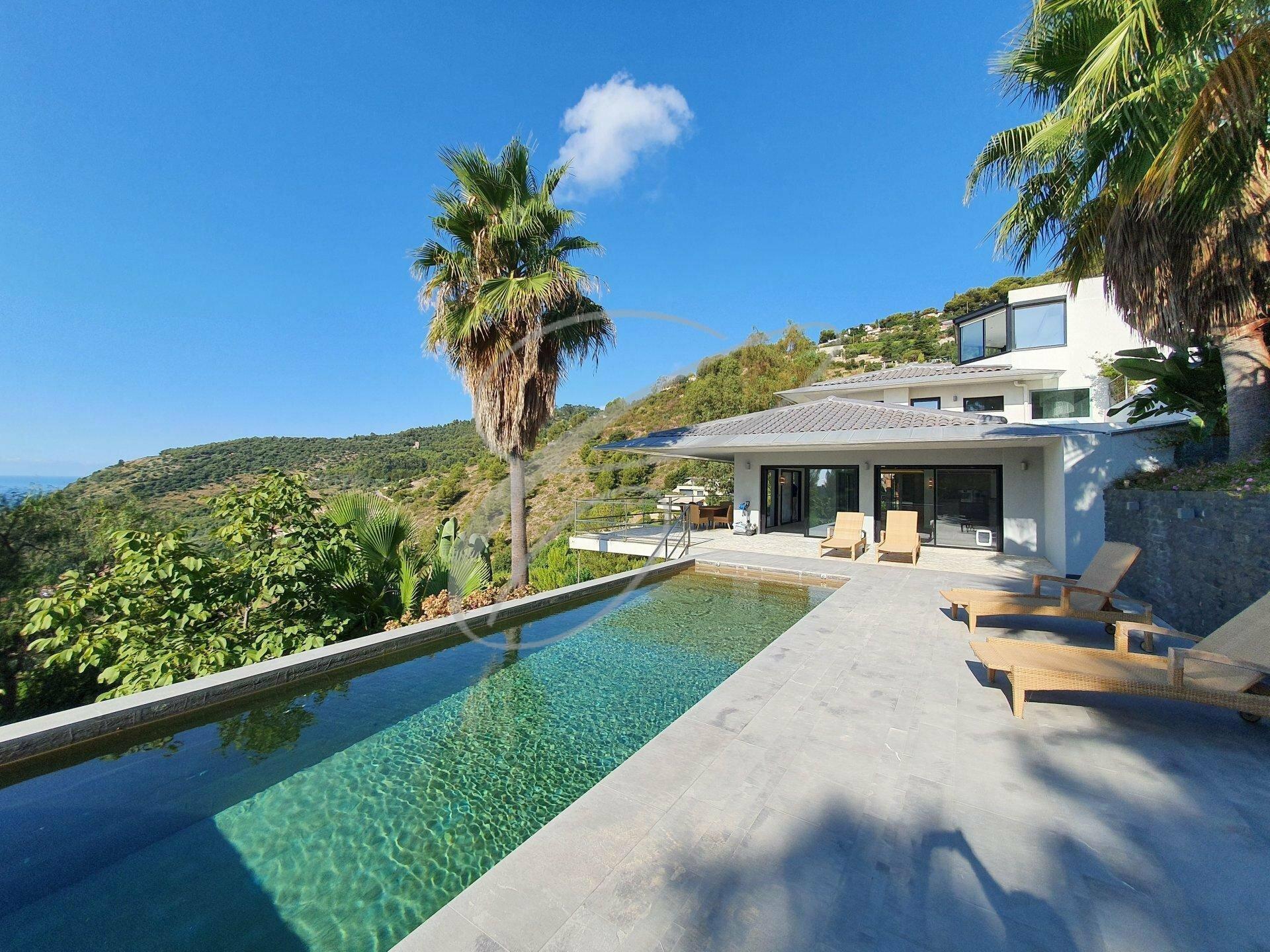 Villa in Èze, Provence-Alpes-Côte d'Azur, France 1 - 11530789