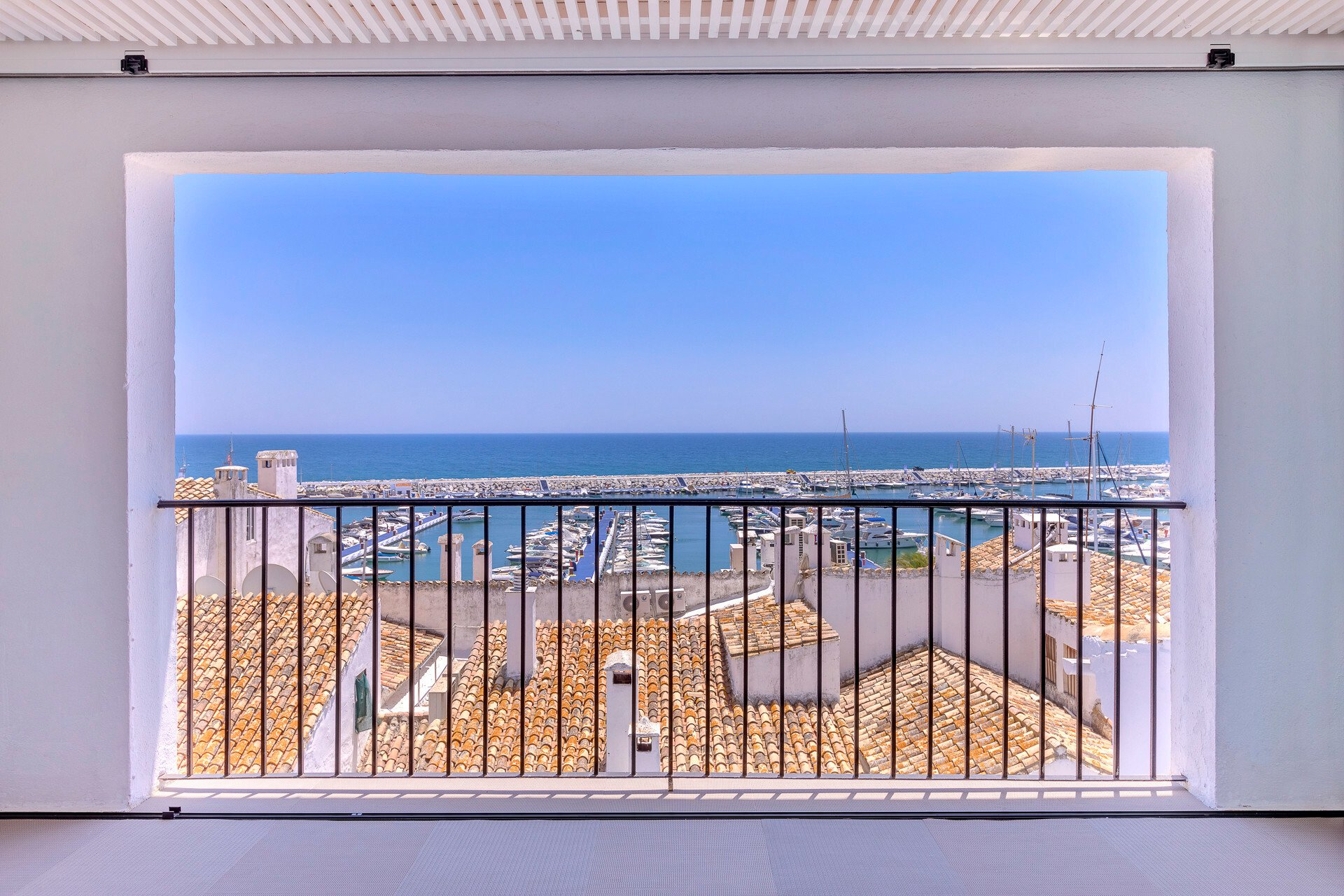 Apartment in Marbella, Andalusia, Spain 1 - 10870851